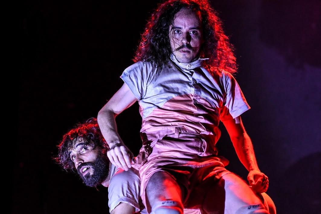 Daniel Calvet e Gleysson Moreira em Dança Boba – Foto: Layza Vasconcelos