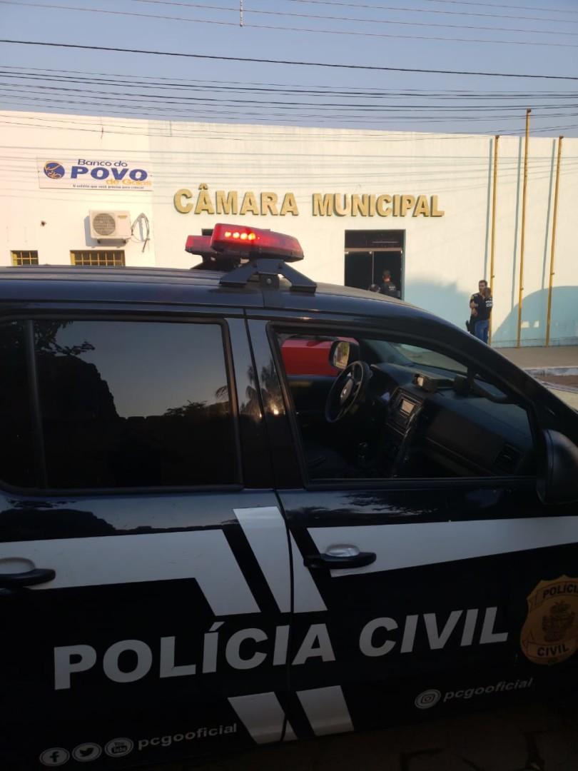 Cerca de 60 policiais participaram da operação