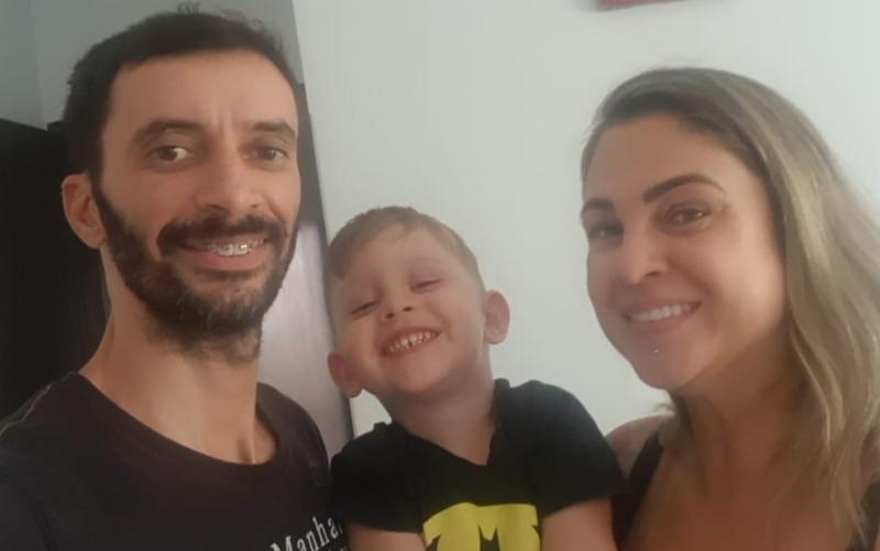 Anderson Franchini, Lorenzzo e Liliane Oliveira em Rio Verde, Goiás (Foto: Reprodução/Arquivo pessoal/Liliane Oliveira)